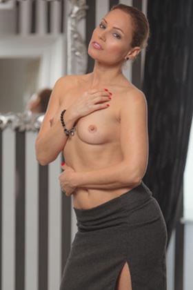 Silvia Lauren