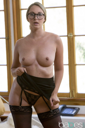 Allie Eve Knox