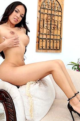 Emily Mena
